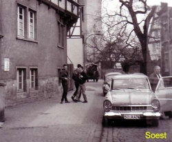 Students in downtown Soest on the street
